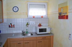 Komplett ausgestattete Küche | Ferienwohnung Ambiente am Europa-Park Rust